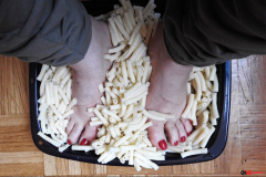 mettre_les_pieds_dans_le_plat_rd